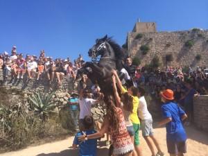 La fiesta menorquina se aúpa al punto más alto de la Isla.