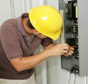 Las asociaciones de carpintería y electricidad se pretenden salvaguardar los derechos de sus asociados.