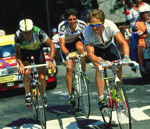 Lejarreta, en una etapa del Tour junto a Indurain.