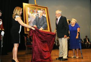 El cuadro, obra de Kiko Poch, colgará en la Galería de Hijos Ilustres.