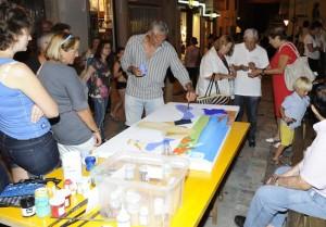 Uno de los 45 artistas participantes en plena acción.