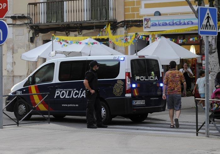 redada antidroga de la policia nacional en el bar aladdin de la explanada de mao