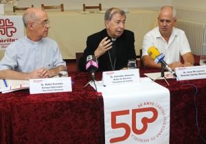 rafael portella delegado episcopal salvador gimenez obispo de menorca y joan mir llorens director caritas