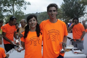 López y Rochelt, posando con los trofeos (Fotos: deportesmenorca.com)