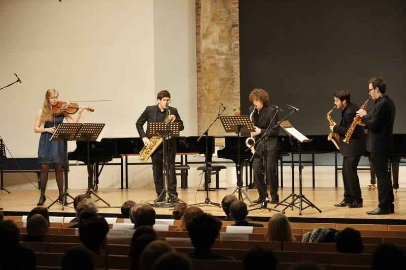 Fukio Ensemble con Elisa Becker-Fos. Xavier Larsson es el segundo por la derecha.
