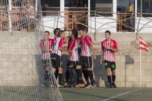 Celebración de un gol del Mercadal (Foto: Karlos Hurtado)