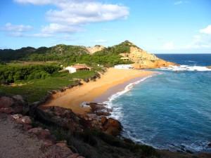 La playa de Es Mercadal es más infrecuente en estos listados.