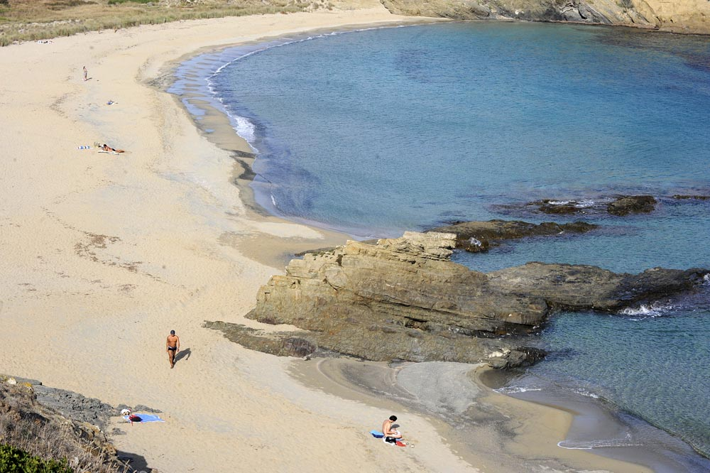 playa de sa mesquida en octubre