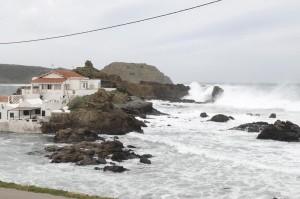 El fuerte oleaje se dejó sentir en la costa de Menorca.