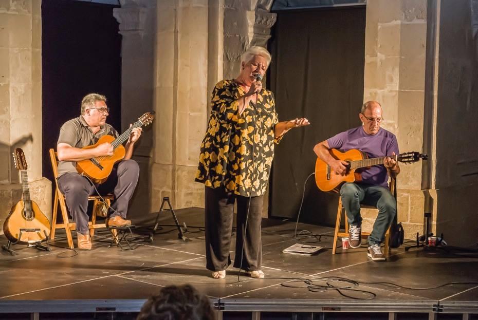 Actuación anterior de Joana Pons y sus guitarras