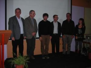 El ganador, Macià Florit, junto a los miembros del jurado.