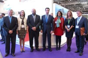La consellera de Turisme, Salomé Cabrera, junto su homólogo autonómico, Jaime Martínez y el ministro Soria y su homólogo