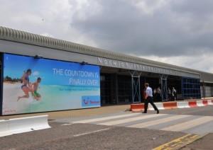 Imagen del aeropuerto de Norwich con el cartel de Thomson (Foto: Norwich Evening News)
