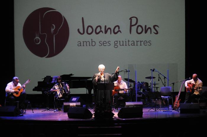 25 aniversario de joana pons  y sus guitarras en el teatre principal