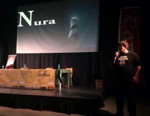 Antoni Cladera presentando su 'Nura' en Noja (Santander).