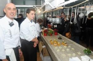 Algunos cocineros, con sus creaciones (Fotos: Tolo Mercadal)