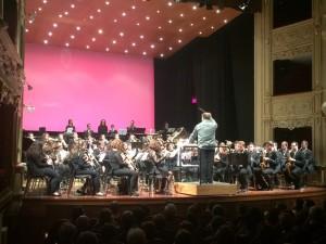 Programa variado y piezas complejas a cargo de casi 90 músicos.