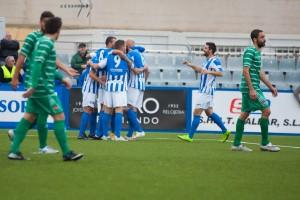 Los jugadores del Atlético Baleares celebran un gol ante el Cornellà (Foto: futbolbalear.es)