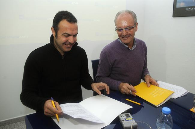 Gabriel Pons, a la derecha en la fotografía, fundador de Viajes Magon