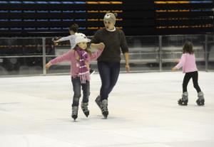 Bastante estilo entre algunos de los primeros patinadores. FOTO.- Tolo Mercadal