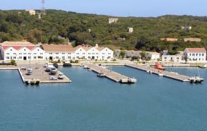 El vial dará servicio a la Base Naval y en un futuro a la nueva estación marítima.