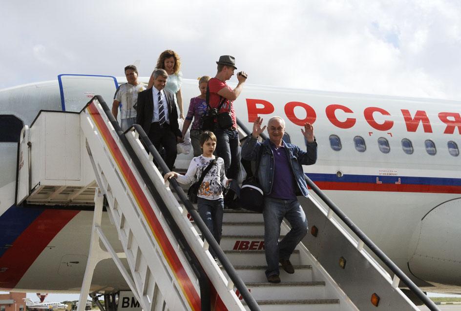 primer vuelo ruso de la compa–ia rossiyaaeropuerto de mao