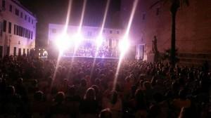 La Banda de Es Migjorn Gran en la plaza Conquesta de Maó.