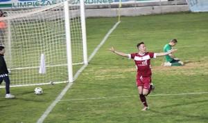 Camps, celebrando el 0-2 (Foto: admerida.es)