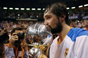 El menorquín, con el trofeo de Copa.