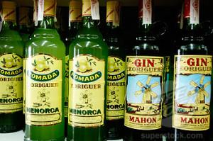 La ginebra menorquina es uno de los productos más reputados de la gastronomía balear.