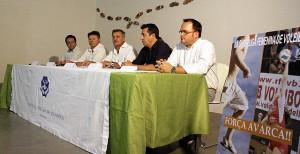 Hernández, el segundo por la derecha, en una imagen de archivo.