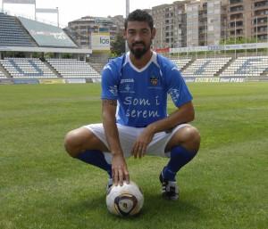 Biel Medina con la equipación de su último equipo, el Lleida Esportiu.