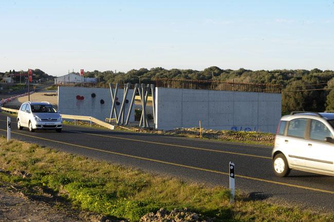 Aún no se ha decidido cómo finalizar las obras de las rotondas a doble nivel en la carretera general (Foto: Tolo Mercadal)