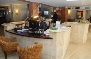 recepcion del hotel capri de mao