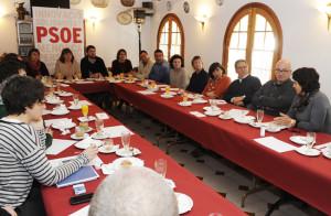La cúpula del PSOE Menorca, reunida en Sant Lluís junto con Armengol. FOTO.- Tolo Mercadal