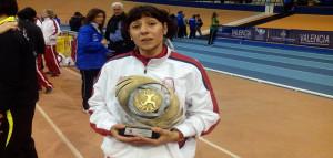 López, con el trofeo.
