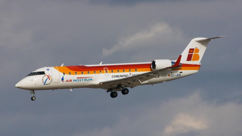 Canadair_CL-600-2B19_Regional_Jet_CRJ-200ER_-_Air_Nostrum_(Iberia_Regional)_-_EC-JEN_-_LEMD_-_200503051641