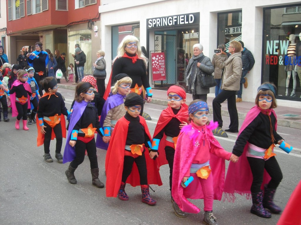 Carnaval Ciutadella. Desfilades escoles.k