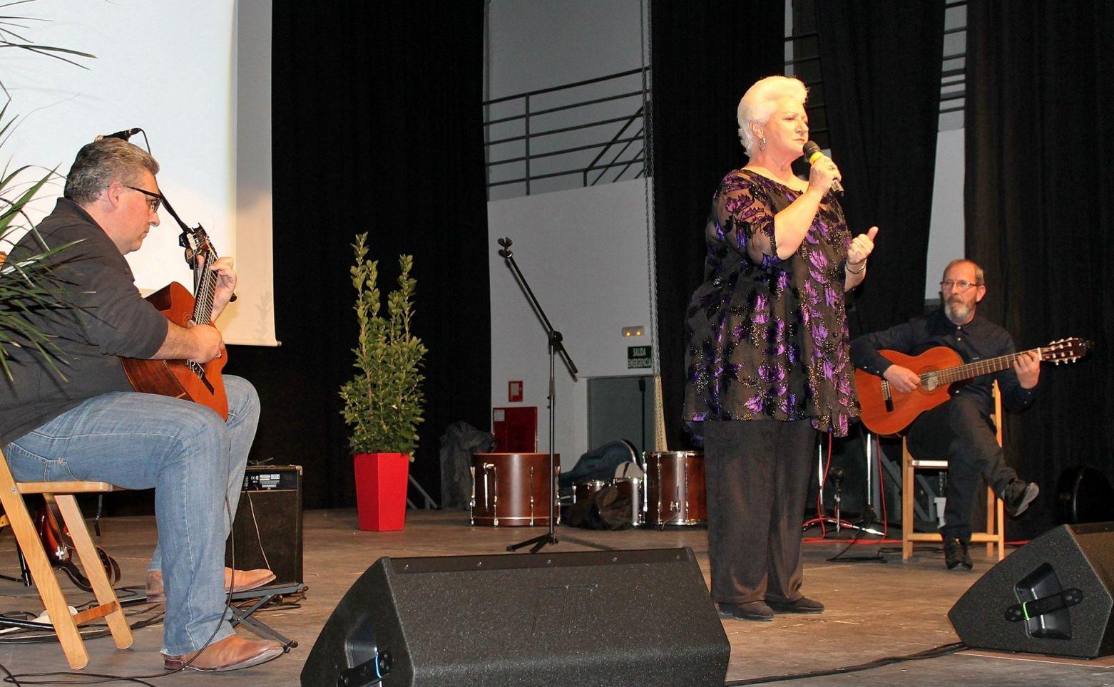 Joana Pons y sus guitarras. Foto: Caty Pascual.