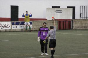Momento de la expulsión de Hugo (Fotos. deportesmenorca.com)
