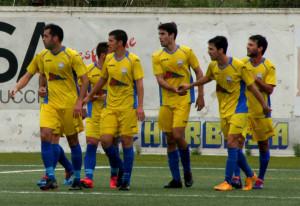 Celebración de un gol del Mercadal (Foto: futbolbalear.es)