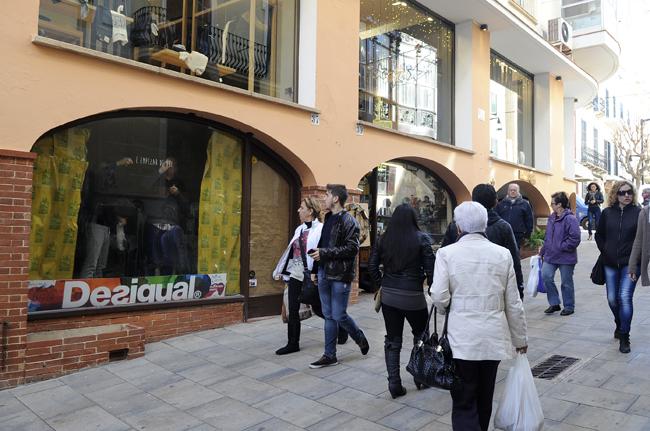 Imagen de archivo de una de las calles comerciales de Maó