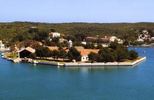 La Isla Pinto guarda los barcos de Amics de la mar.
