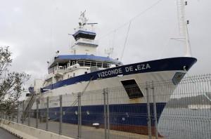 La embarcación, amarrada en el puerto, este martes. FOTO.- Tolo Mercadal