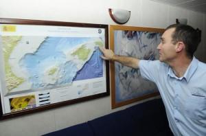 buque oceanografico vizconde de eza el capitan miquel angel rodriguez y jose ignacio perez