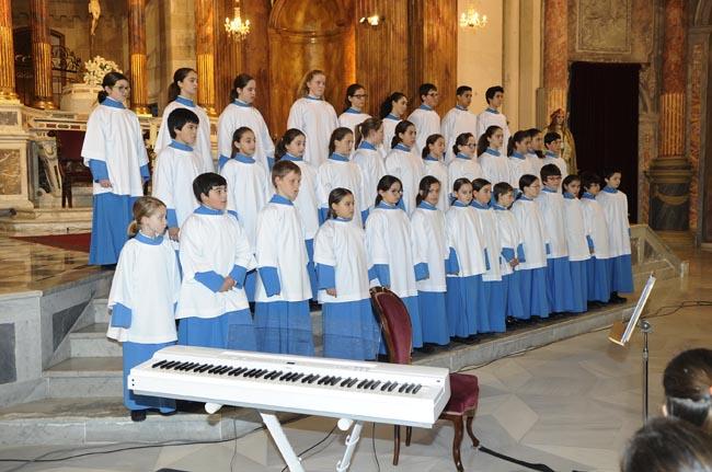 blauets de lluc en la iglesia santa maria