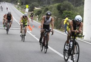 Ciclistas en la última Extreme Man. FOTO.- Archivo.