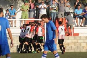 Celebración de un gol del Mercadal en la final de Copa (Foto: Tolo Mercadal)
