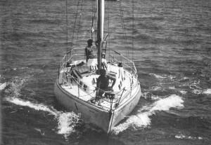 El 'Menorca' justo antes de iniciar la regata 'Mil Millas a dos' de 1984. Foto: R.T.