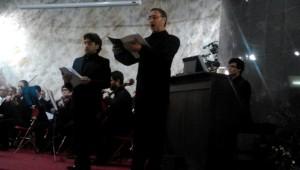 Lluís Sintes en el 'Miserere' cantado a mediados de febrero en la Esglèsia Adventista del Setè Dia de Barcelona. Foto: Ll.S.